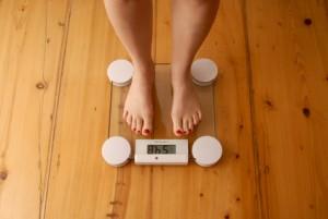 Gewichtsverlust als Symptom von Brustkrebs.